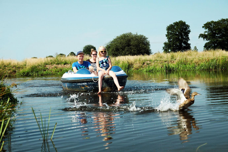 Fluisterbootjes huren en varen op de Regge